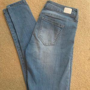 High waisted skinny jean. Size 3/26